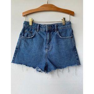 XS, TOPSHOP, blue denim MOM shorts with raw hem